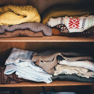 Organizar el closet sin cometer estos errores